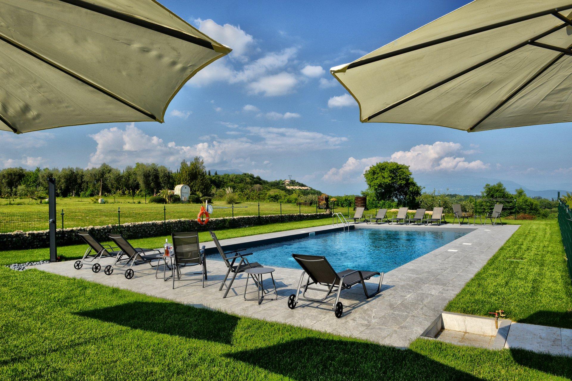 Pool - Farmhouse lake Garda - La guarda